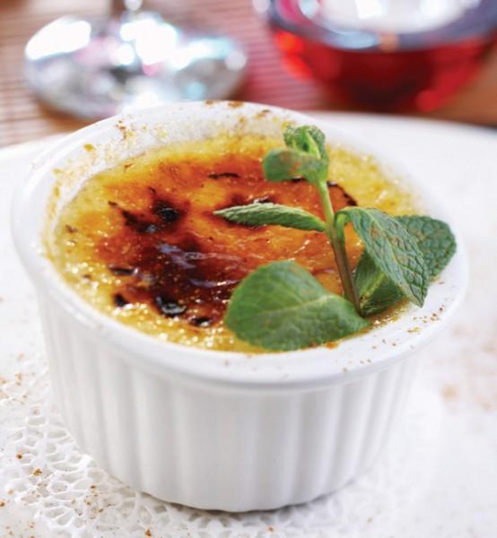 Rhubard-creme-brulee