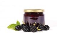 bramble-jam-Fotolia_34684757_600