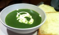 Nettle soup with homemade bread