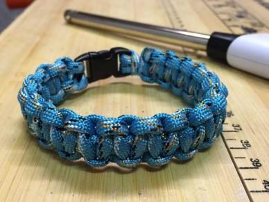 Cobra weave paracord bracelet